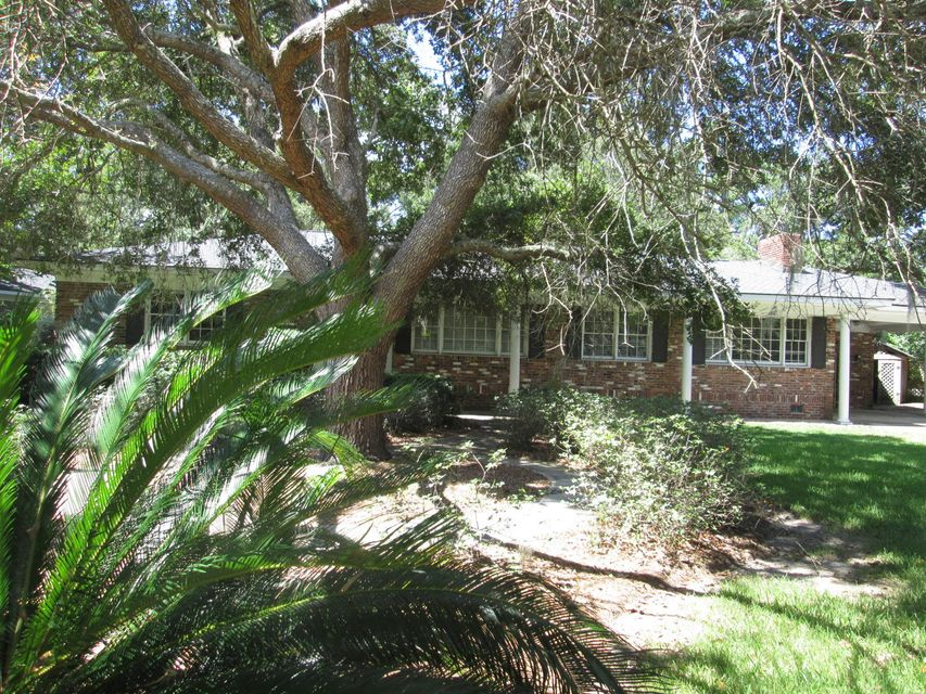 1595  Carterett Avenue Charleston, SC 29407