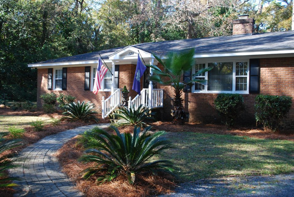125 E Johnston Street Summerville, SC 29483