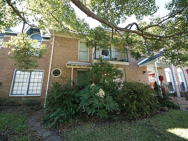 610  Bonneau Lane Mount Pleasant, SC 29464