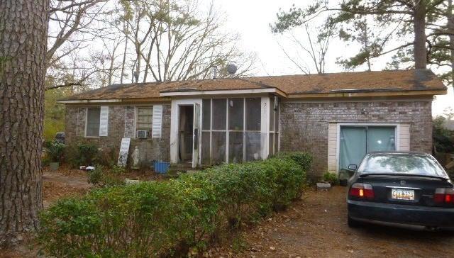 213  Greyback Road Summerville, SC 29483