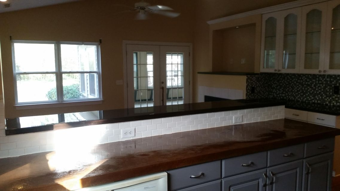 365  Woodland Shores Charleston, SC 29412