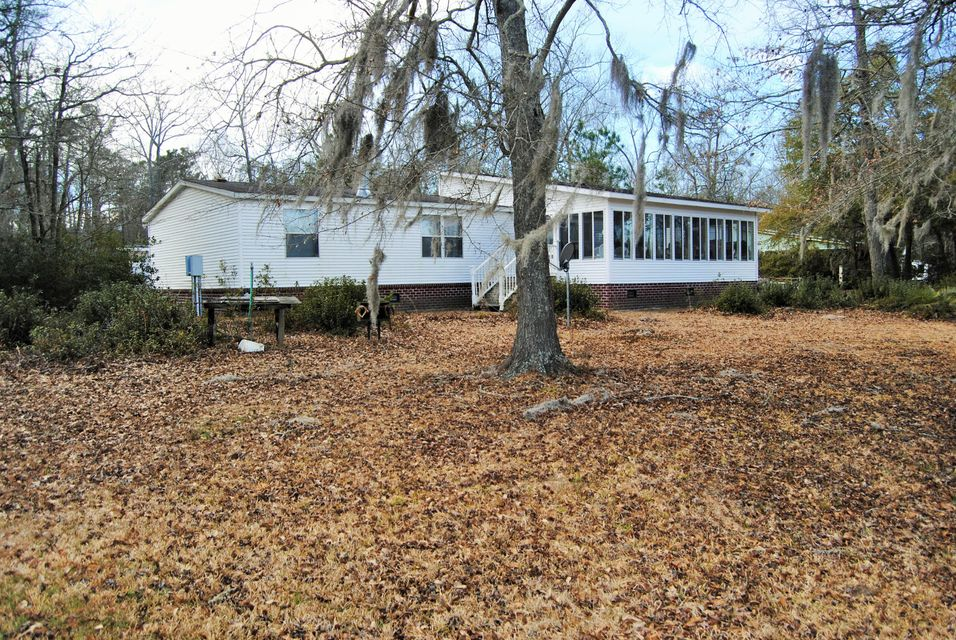 126  Loch Drive Cross, SC 29436