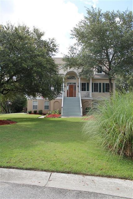 699  Fishermans Bend Mount Pleasant, SC 29464