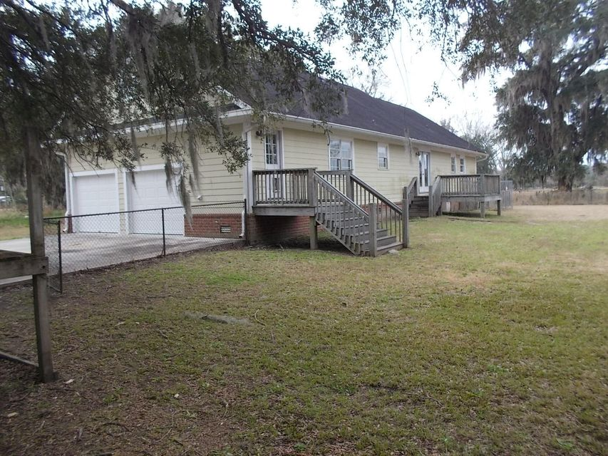 6736  Ethel Post Office Road Hollywood, SC 29449