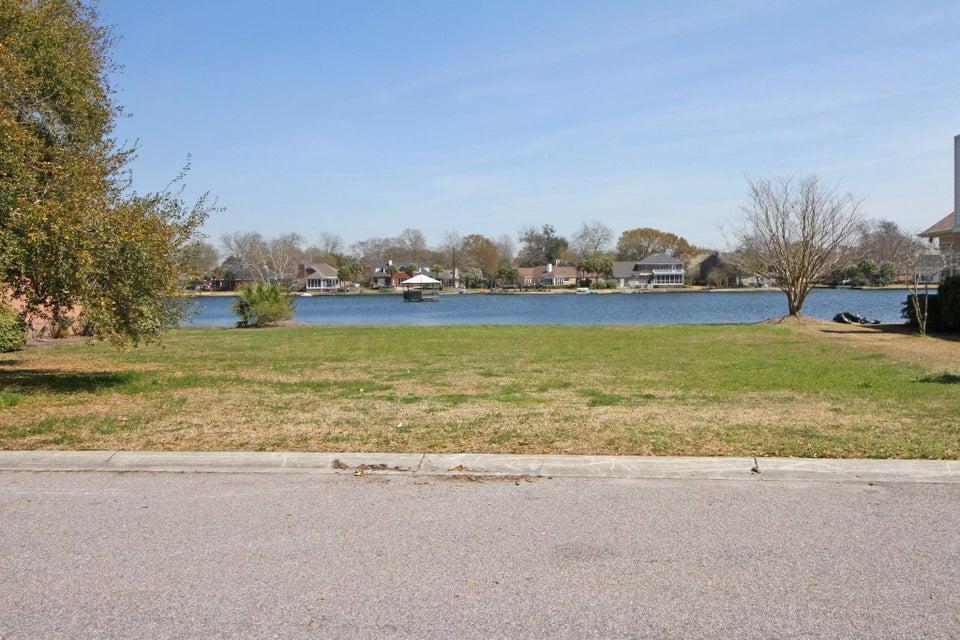 1209  Waterfront Drive Mount Pleasant, SC 29464