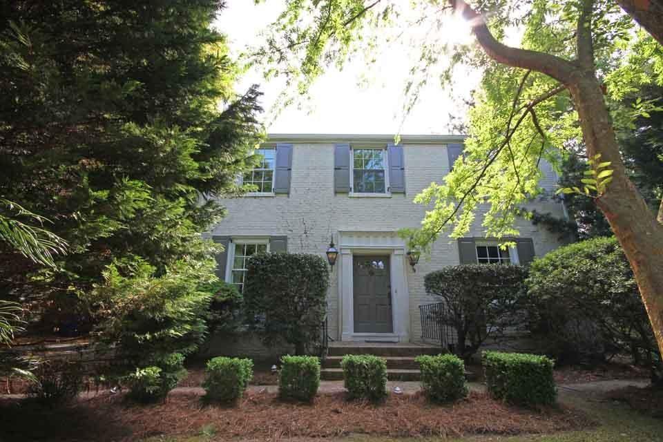 109  Folly Road Boulevard Charleston, SC 29407