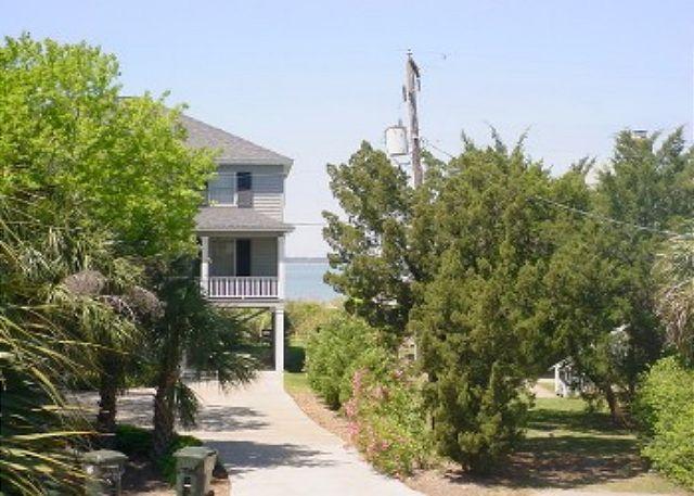 3605  Yacht Club Road Edisto Island, SC 29438