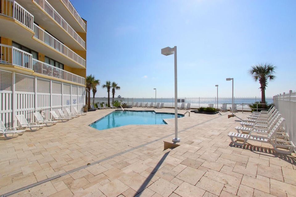 Charleston Oceanfront Villas Homes For Sale - 201 Arctic, Folly Beach, SC - 30