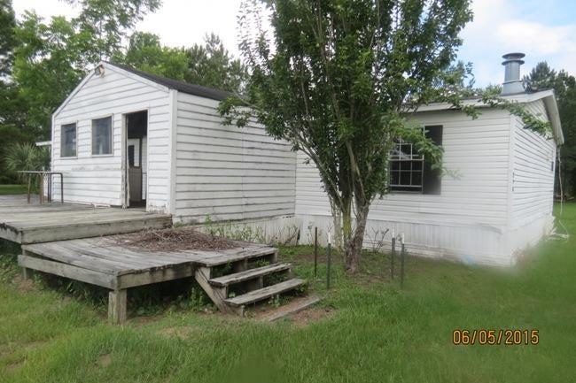 626  Fortner Lane Huger, SC 29450