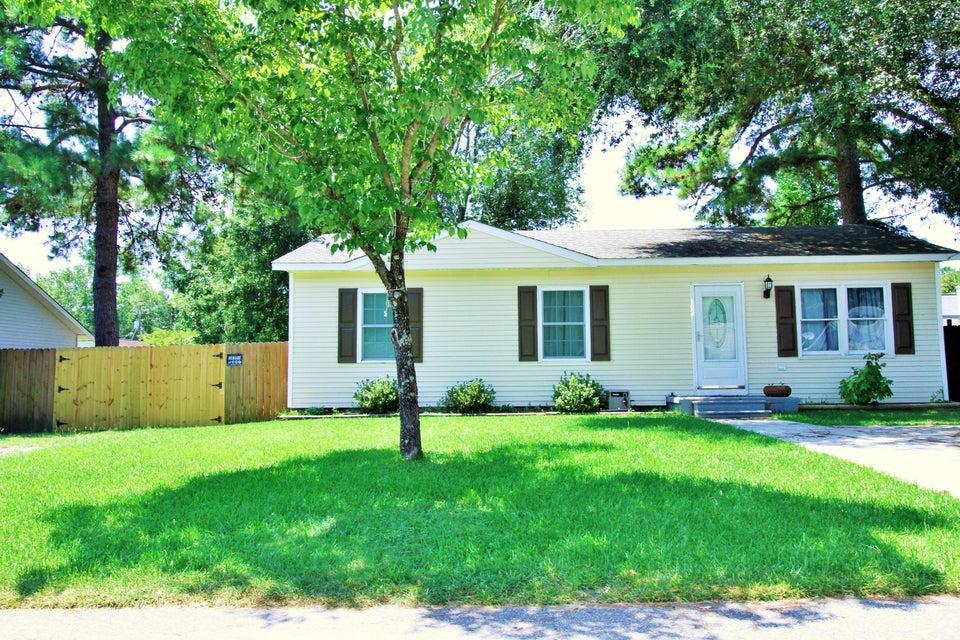 102  Clover Ave Summerville, SC 29485