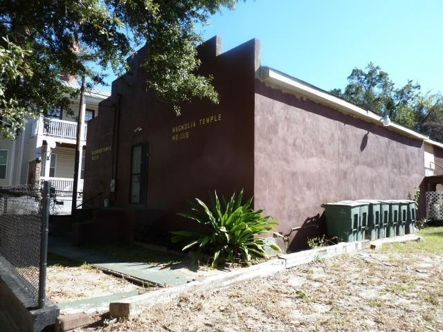 33  Cooper Street Charleston, SC 29403