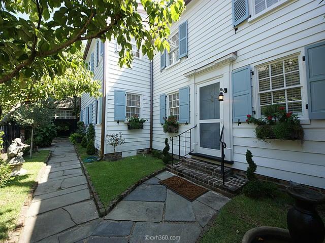 10  Stolls Alley Charleston, SC 29401