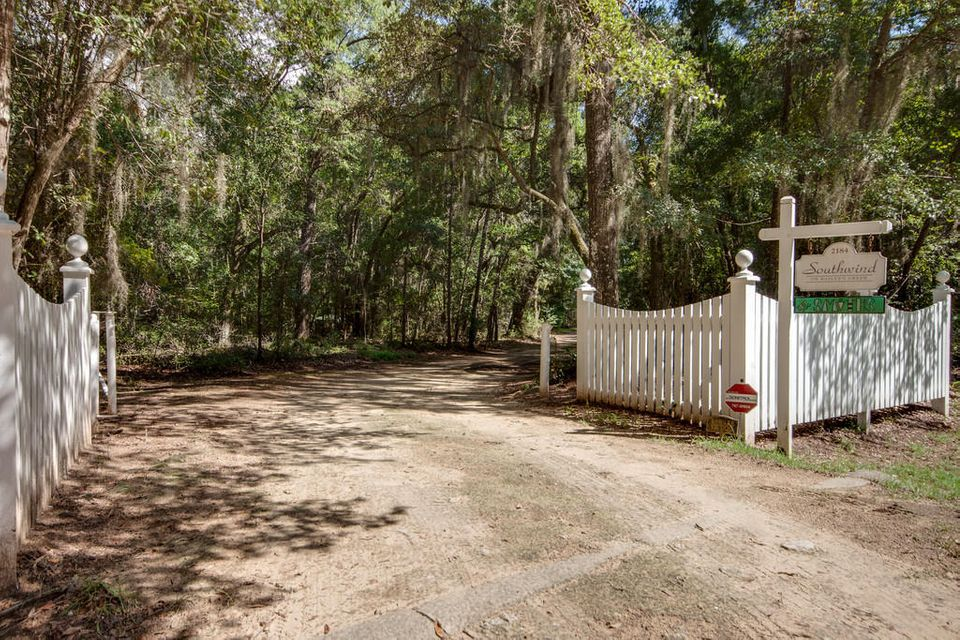 2184  Megget Point Road Edisto Island, SC 29438