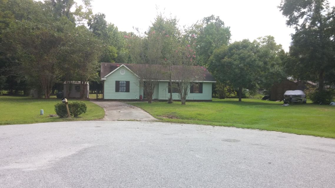 102  Nancy Lane Summerville, SC 29485