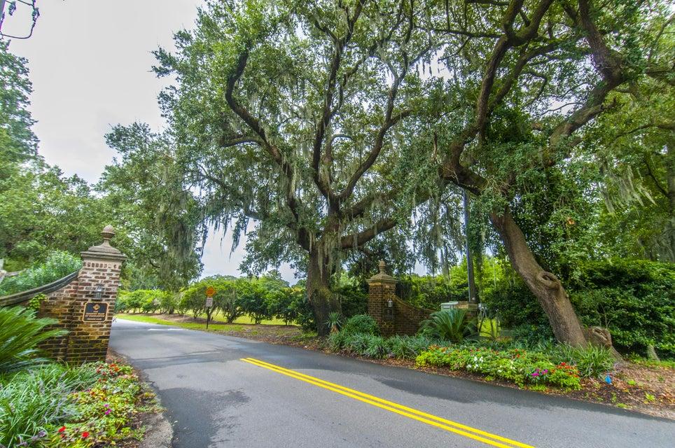 21  Country Club Drive Charleston, SC 29412