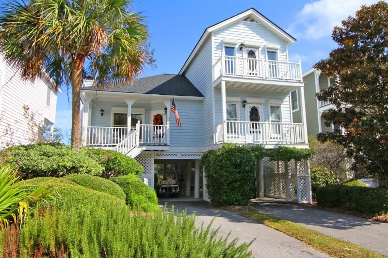 18  Pelican Reach Isle Of Palms, SC 29451