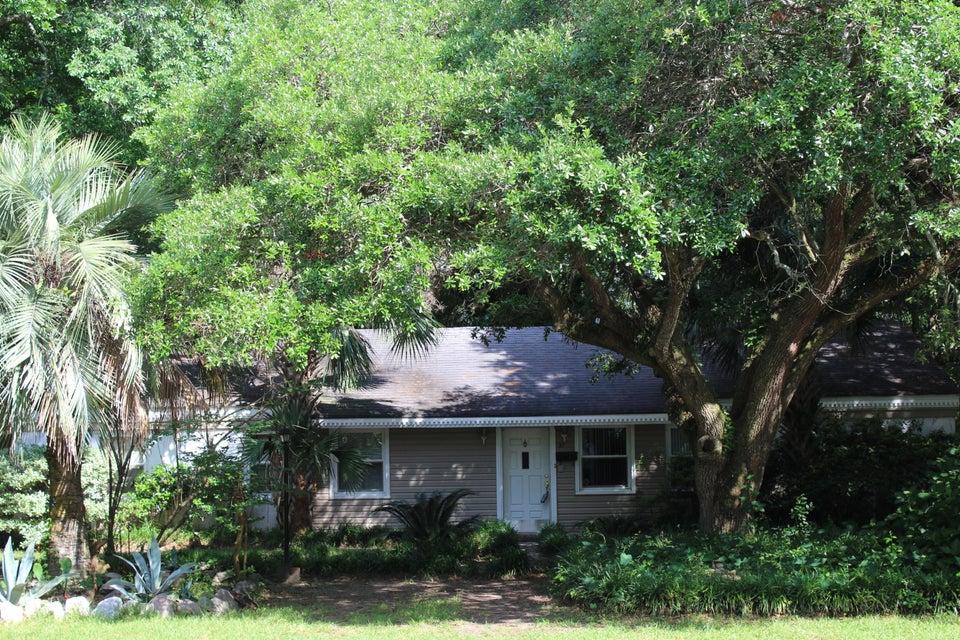 21  Pearl Street Mount Pleasant, SC 29464