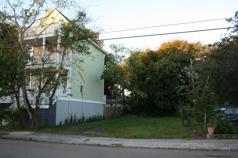41  Aiken Street Charleston, SC 29403