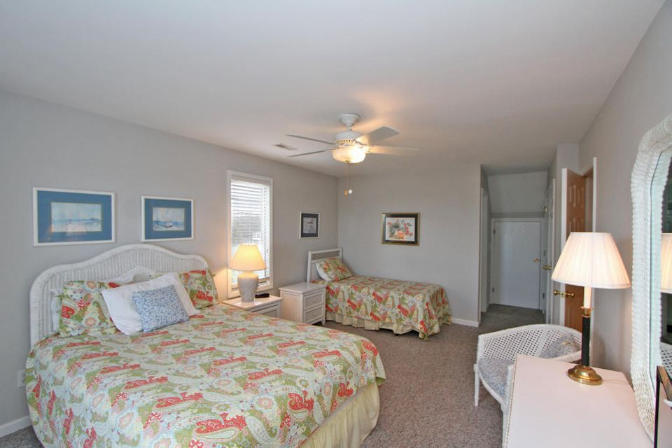 Isle of Palms Homes For Sale - 1 47th (1/13th), Isle of Palms, SC - 25