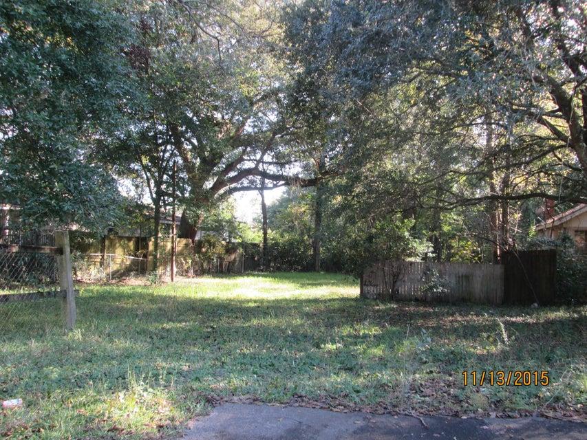 1137  Bexley Street North Charleston, SC 29405