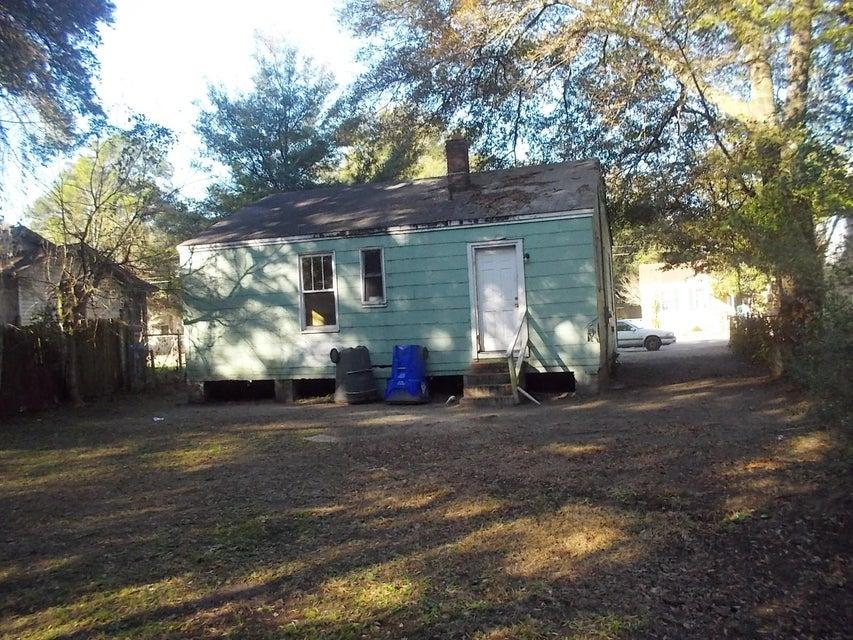 2717 W Surrey Drive North Charleston, SC 29405