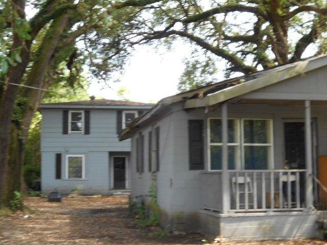 2351  Taylor Street North Charleston, SC 29406