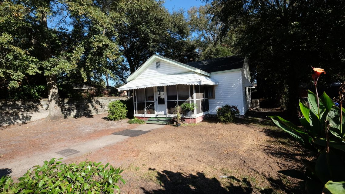 4546  Holly St. North Charleston, SC 29405