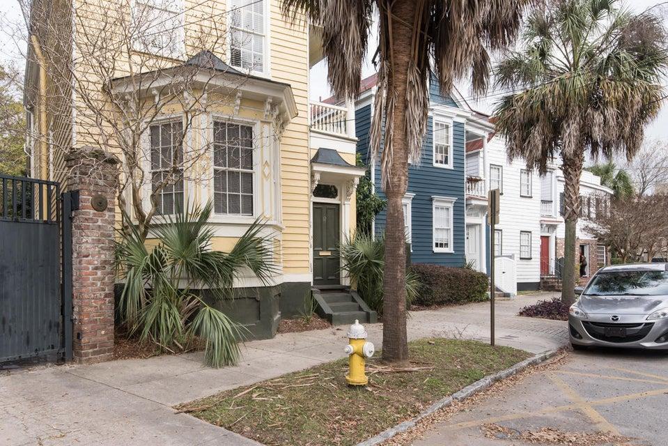 12  Elizabeth Street Charleston, SC 29403