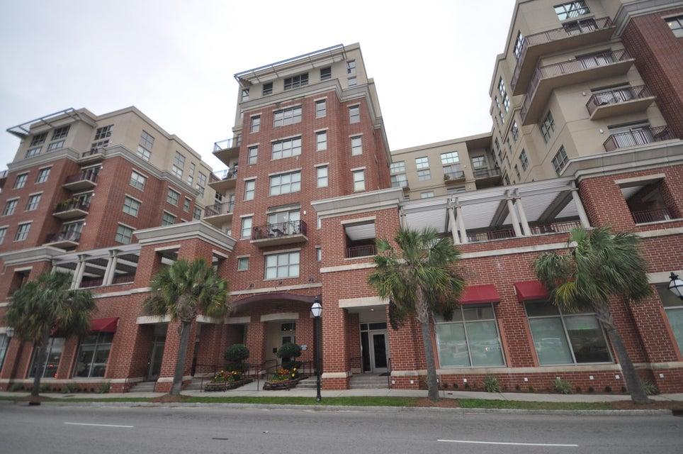 150  Bee Street Charleston, SC 29401