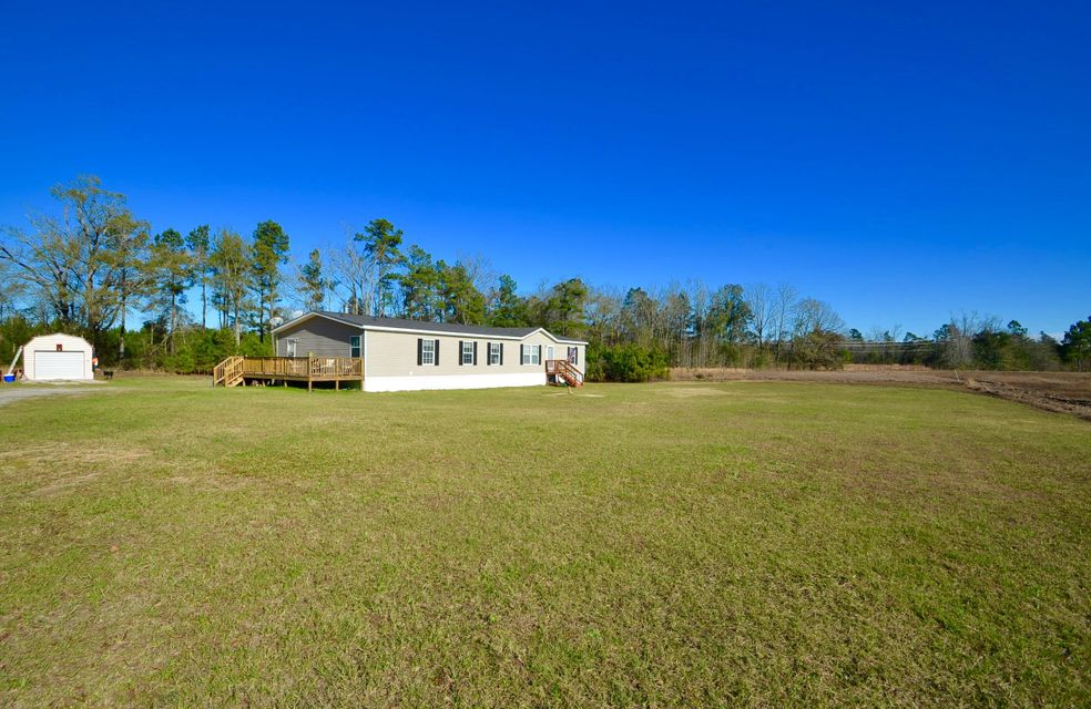 841  Richardson Street Cross, SC 29436