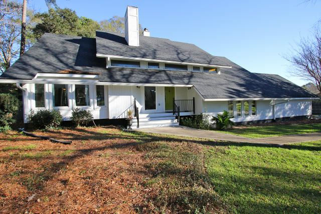 915  Farm Quarter Road Mount Pleasant, SC 29464