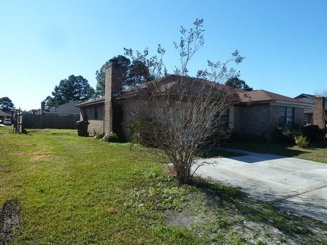 7763  Suzanne Drive North Charleston, SC 29418