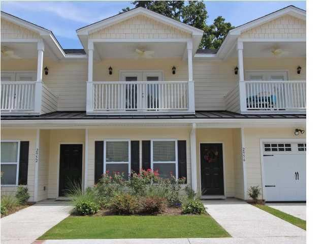 2956  Emma Lane Mount Pleasant, SC 29466