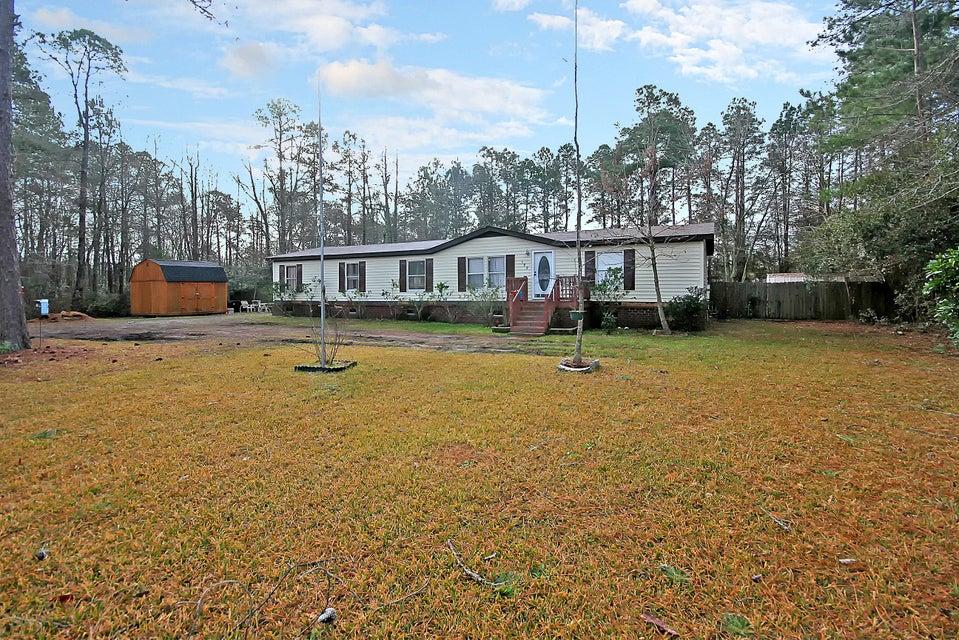 199 W Steele Drive Summerville, SC 29483