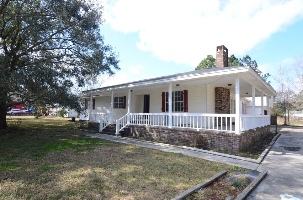 101  Lake Drive Summerville, SC 29483