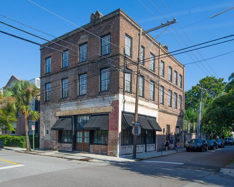 45  Hasell Street Charleston, SC 29401