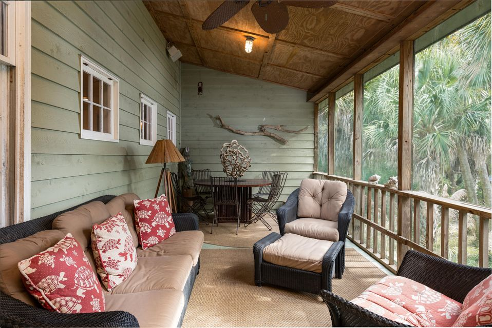 2407  Captain John Hutt Road Isle Of Palms, SC 29451
