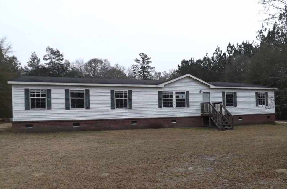 7218  Parkers Ferry Road Adams Run, SC 29426