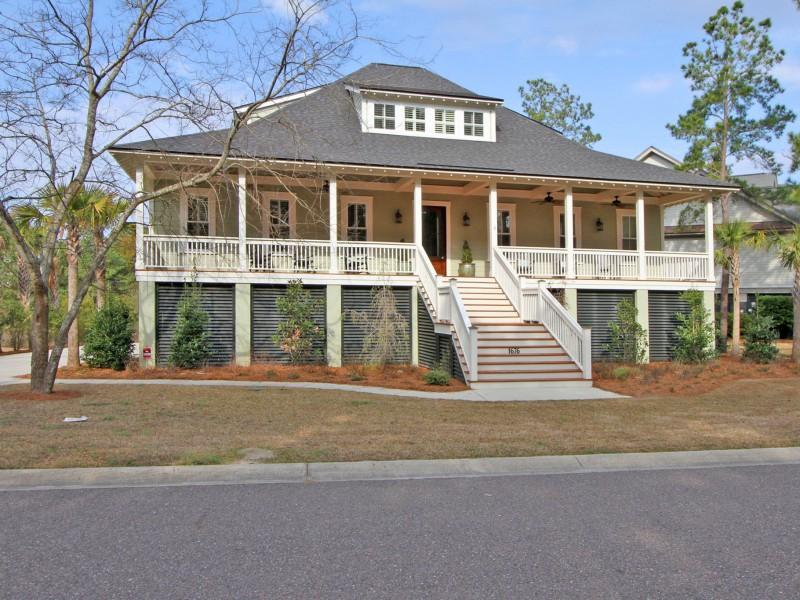 1676  Canyon Oaks Drive Mount Pleasant, SC 29464