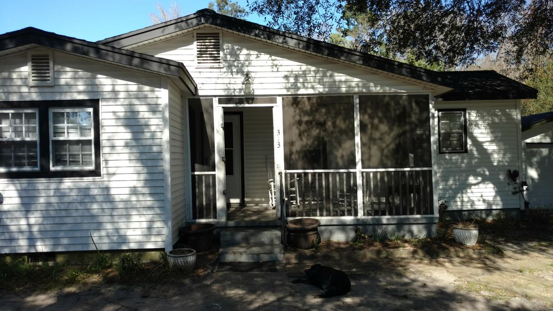 313 W 2Nd North Street Summerville, SC 29483