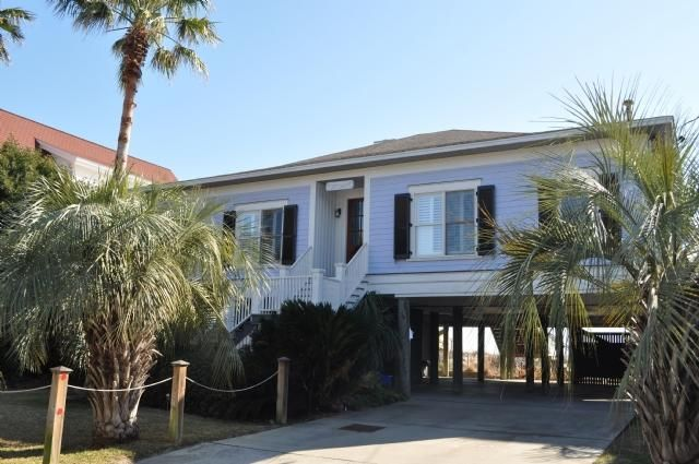 513 E Arctic Folly Beach, SC 29439