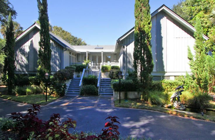 21  Edgewater Alley Isle Of Palms, SC 29451