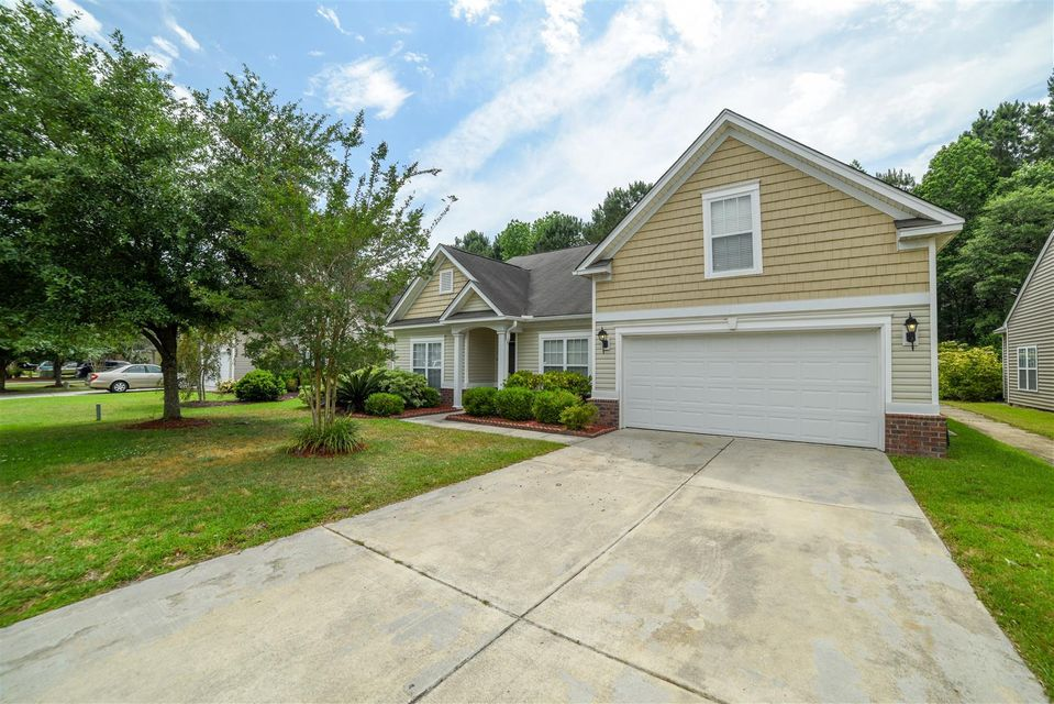 206  Hollytree Circle Ladson, SC 29456