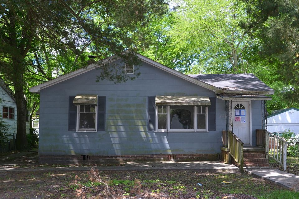 2678  Poplin Avenue North Charleston, SC 29405