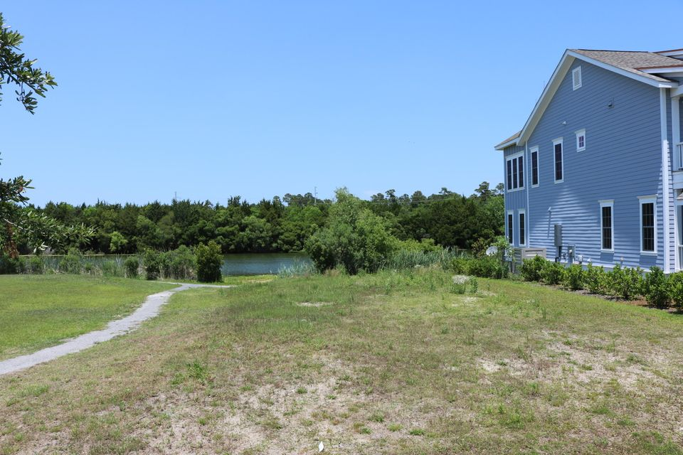 1631  Paradise Lake Drive Mount Pleasant, SC 29464