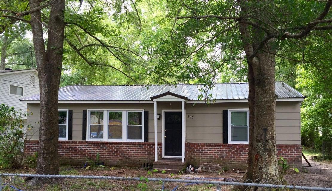 109  Osburn Avenue North Charleston, SC 29420