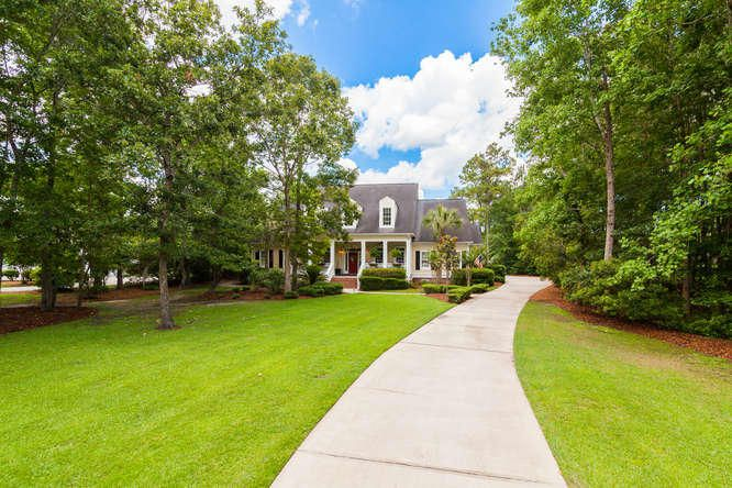 1843  Cherokee Rose Circle Mount Pleasant, SC 29466