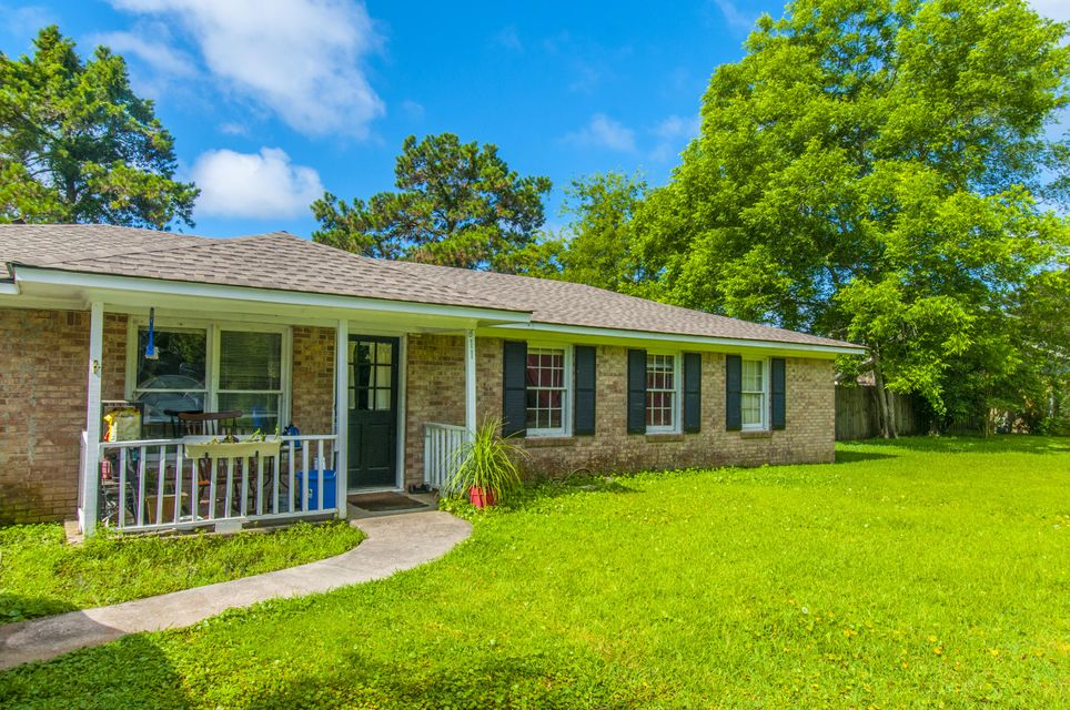 611  Schooner Road Charleston, SC 29412