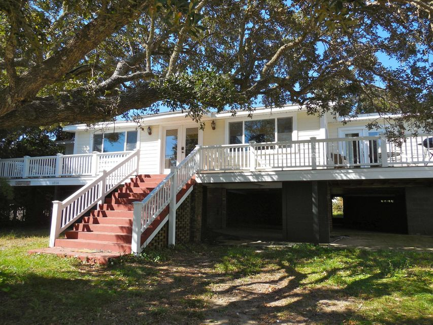 1016 E Arctic Avenue Folly Beach, SC 29439