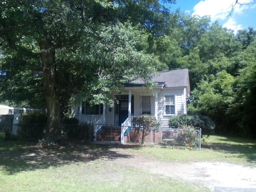 207 N Walnut Street Summerville, SC 29483